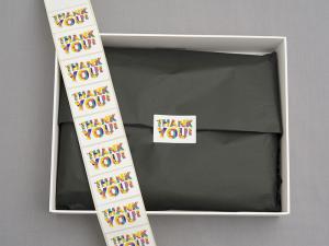 Etykiety na rolce papierowe
